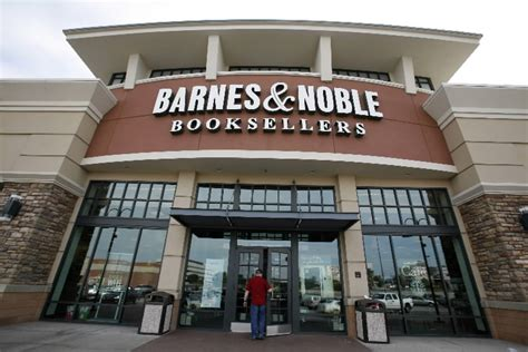 barnes and noble books comic books coming to barnes noble the sue