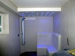 Spots In Der Decke : led leisten in der dusche raum und m beldesign inspiration ~ Markanthonyermac.com Haus und Dekorationen