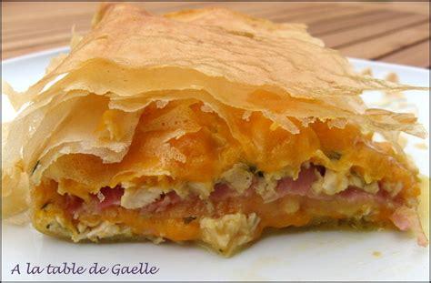 pastilla poulet bacon et mimolette pour un repas qui change a la table de gaelle