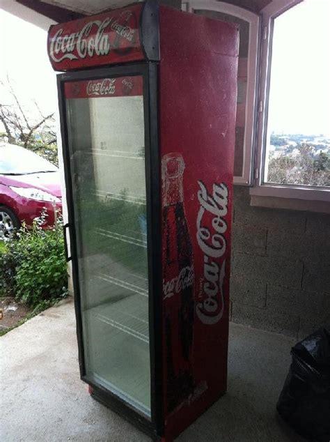 photo donne une vitrine r 233 frig 233 r 233 e coca cola le neon s