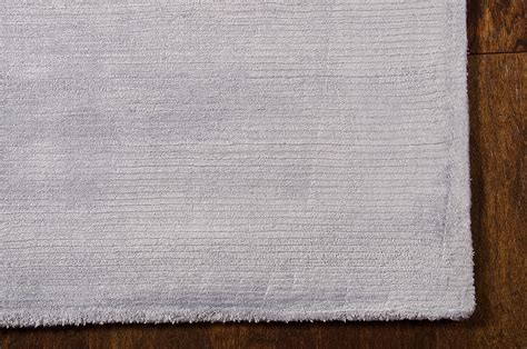 tapis lunar 2 gris clair de la collection calvin klein