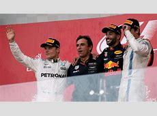 F1 Ricciardo wins in Baku, Hamilton & Vettel clash on