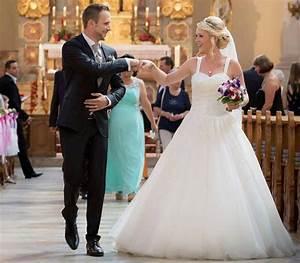 Haus Der Braut Mönchengladbach : gewinnen sie ein traumhaftes brautkleid aus dem haus der braut ~ Markanthonyermac.com Haus und Dekorationen