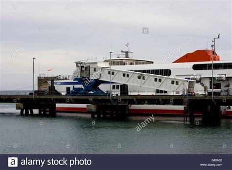 Catamaran Condor Ferries by Catamaran Ferry Condor Ferries Stockfotos Catamaran