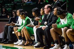 First-year women's basketball coach Jalie Mitchell aims to ...