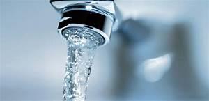 Wohnung Unter Wasser Was Tun : wasserschaden wann zahlt die hausratversicherung friendsurance ~ Markanthonyermac.com Haus und Dekorationen