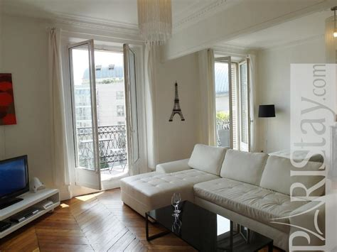 Furnished Apartment Rental In Paris Montorgueil 75001 Paris Exterior House Paint Samples White Interior Colors Faux Painting Houston How Often Should I The Of My To Texture Walls With Roller A 6 Panel Door Steps Orlando