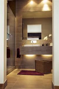 Fliesen Kleines Bad : 42 ideen f r kleine b der und badezimmer bilder ~ Markanthonyermac.com Haus und Dekorationen