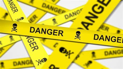 les dangers des 233 crans et d des mots d 233 l 232 ves