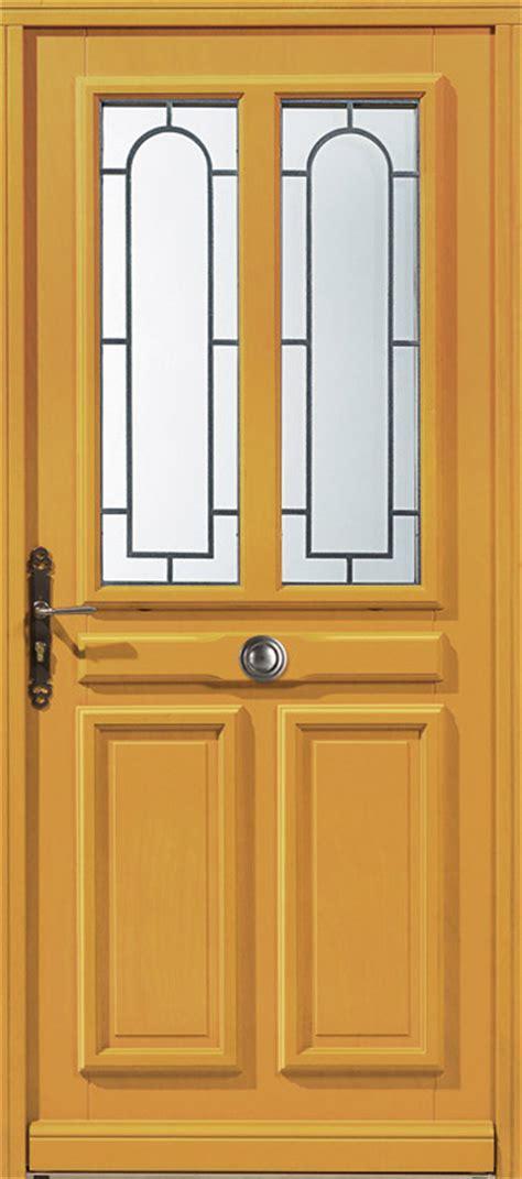 porte d entr 233 e bois exotique clair lunel porte bois exotique clair design zilten