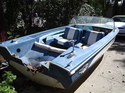 Glastron Boats For Sale Regina by On Hold Free Glastron Aqualift 15 5 Boat Hull North