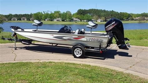 Bass Boats For Sale Under 10k by 2016 Triton 18 C Tx Boat Trailer Crappie Bass Fishing