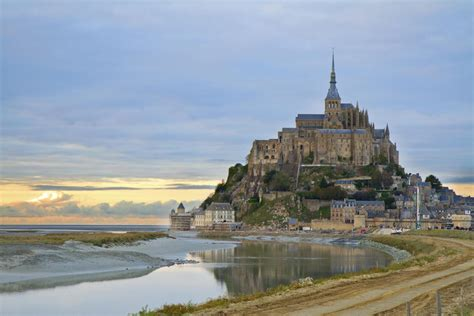 normandy and malo plus mont michel and chateaux country 4 days