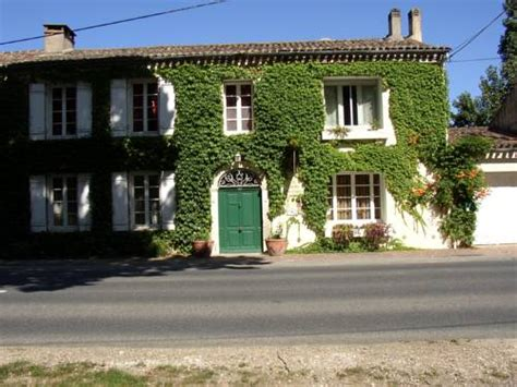 le jardin des cygnes bed and breakfast near port sainte foy et ponchapt