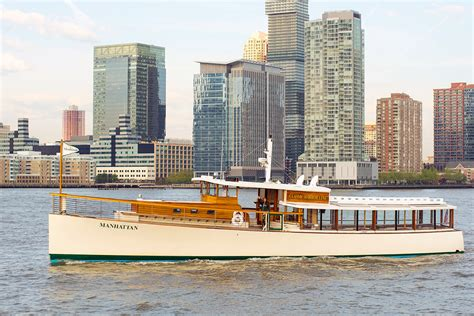 Round Manhattan Boat Trip by Boat Tours Aia New York