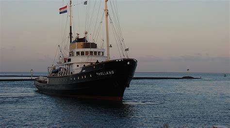 Sleepboot In Dutch by Sleepboot Holland