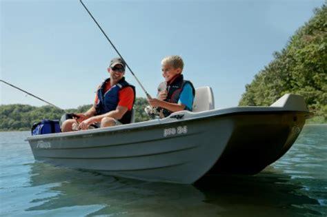 Sun Dolphin Boat Plug by Sun Dolphin Pro Fishing Boat 9 4 Feet Shop Fishing Tackle