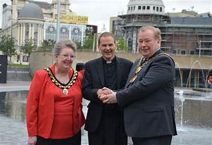 Leeds station press call for new bishops before local ...