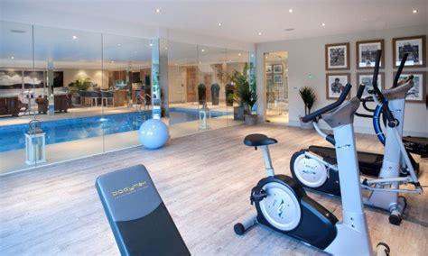 des id 233 es de salle de fitness luxueuse pour votre maison bricobistro