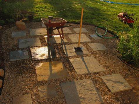 Pea Gravel Patio Designs by Variegated Bluestone Set In Pea Gravel Patio Diy