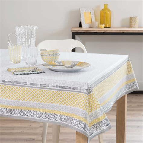 nappe enduite en coton jaune blanche 170 x 170 cm faro maisons du monde