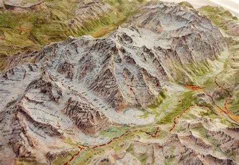 carte murale en relief massif du mont blanc ign la compagnie des cartes