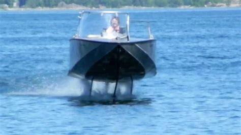 Boat R Videos by Elektrofoil Foiltwister Hydrofoil Boat Flying And Landing