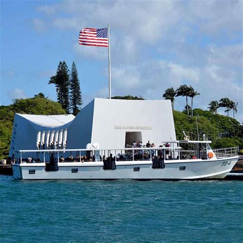 Boat From Maui To Honolulu by Maui To Pearl Harbor Memorial Tour Visit Pearl Harbor