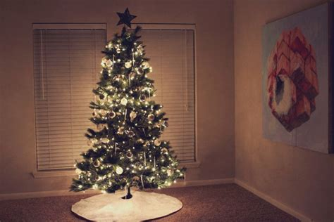 Simple Christmas Decorations Lafco Master Bedroom Candle Two Apartments For Rent In Chicago 4 Denver Sets Phoenix Modern Dresser Teen Girls San Francisco One 1 Antonio Tx