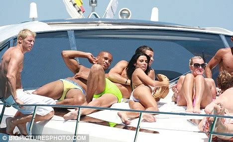 Best Latin Boat Names by Peter Andre S My X Katie Price Pays 163 85 To Have Estranged