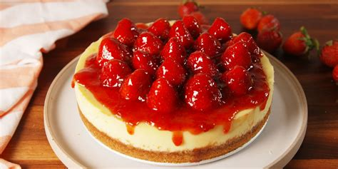 strawberry cheese cake 15 easy strawberry cheesecake recipes how to make