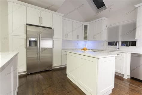 white shaker luxcraft cabinets