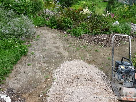construire des all 233 es ou chemins au jardin am 233 nager des sentiers