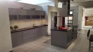 Günstige Küchen Inkl Elektrogeräte : ausstellungsk che mit insel inkl elektroger te ~ Markanthonyermac.com Haus und Dekorationen