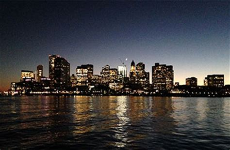 Romantic Boat Rides In Boston by Romantic Boston Boat Ride The Perfect Boston Date Idea