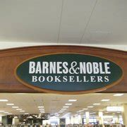 barnes and noble salary barnes noble booksellers 12 photos 12 reviews