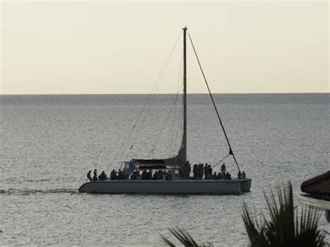 Catamaran Cruise Couples Swept Away by Catamaran Cruise Returning Picture Of Couples Swept Away