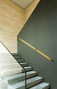 Handlauf In Wand : handlauf in die wand geschnitten und mit einem metall schatten verziert pinterest ~ Markanthonyermac.com Haus und Dekorationen