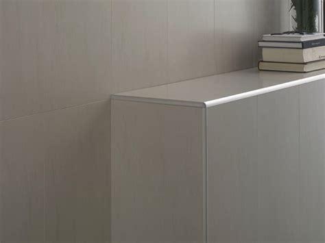 baguette d angle pvc pour carrelage awesome joint de baignoire pvc blanc bords souples with