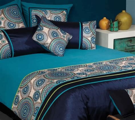 the gallerie meridian retro circle peacock quilt cover