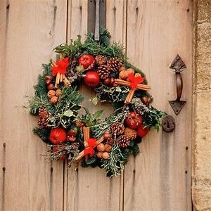 Weihnachtskranz Für Tür : bastelideen f r einen weihnachtkranz im l ndlichen stil ~ Markanthonyermac.com Haus und Dekorationen