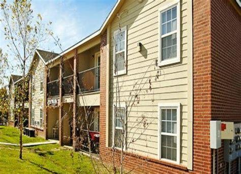 One Bedroom Apartments In Fayetteville Ar by 1072 S Sports Fan Drive Fayetteville Arkansas Home For