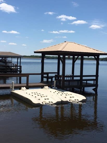 Hydrohoist Boat Lifts For Sale Texas by Innovative Docks Lone Star Marina