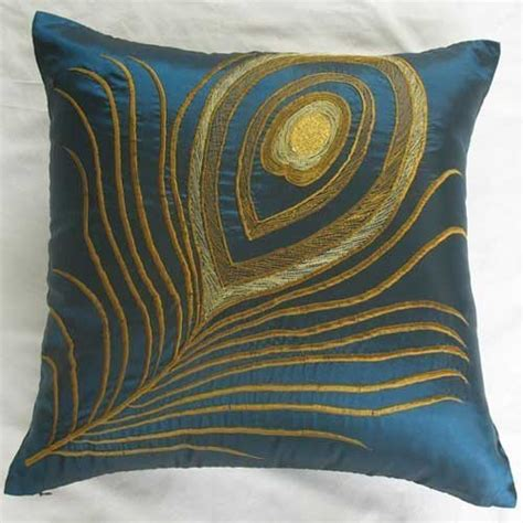 get new appearance with decorative pillow covers