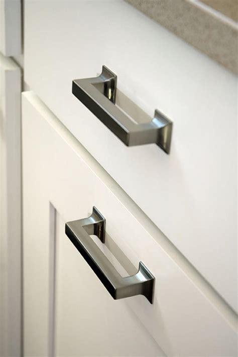 Kitchen Renovation Knobs Vs Pulls  Kitchen Cabinet Handles