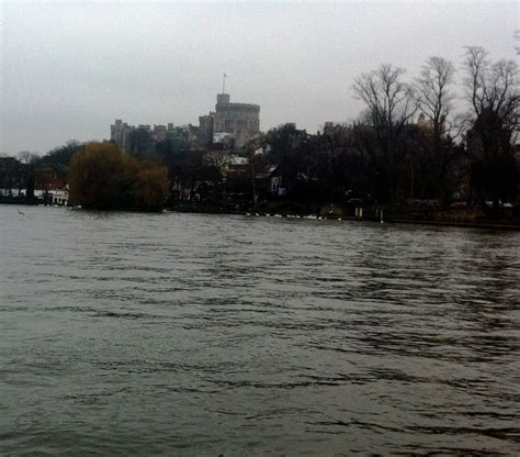 Boat Covers Windsor by Windsor River Cruise London