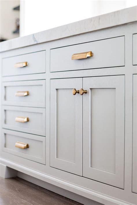 best 25 kitchen cabinet hardware ideas on kitchen cabinet pulls kitchen hardware