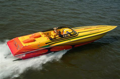 High Performance Ocean Boats by Research Fountain Boats 42 Lightning High Performance Boat