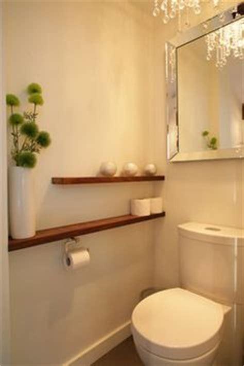peinture wc gris anthracite et gris perle et touches jaune vif toilettes d 233 coration de salle