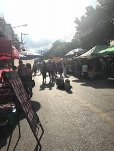 Sunday Night Market Walking Street - Tha Pae Gate (Chiang ...